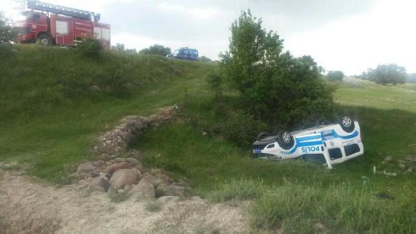 Şarampole Yuvarlanan Polis Aracında 2 Polis Yaralandı