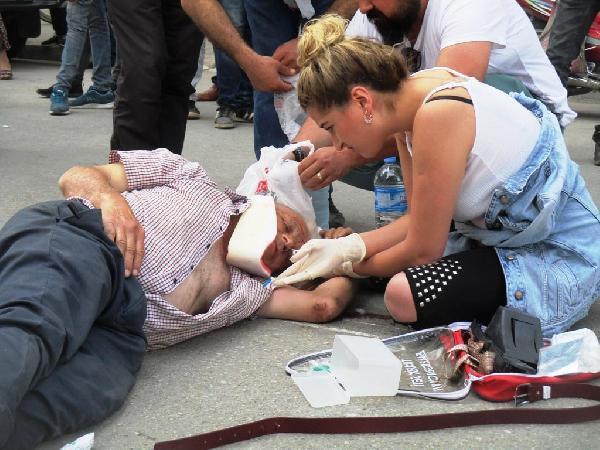 Ambulans Gelinceye Kadar Hemşire Olaya El Koydu