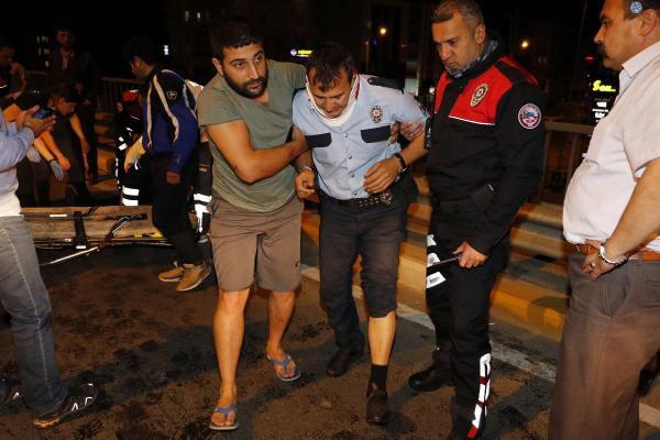 Polis Aracı Otomobile Arkadan Çarptı: 1 Ölü, 5 Yaralı