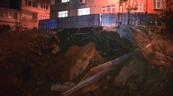 İstinat Duvarı Çöktü, Mahalleli Sokağa Döküldü
