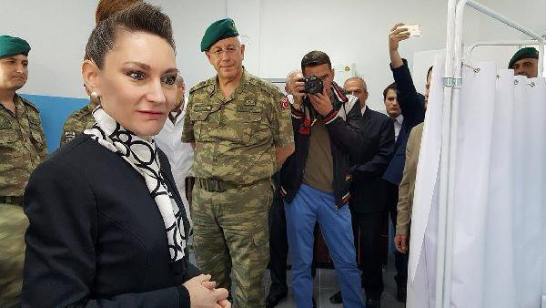 Türk Askeri Kosova'da Boşnak Köyünün Sağlık Ocağını Onardı