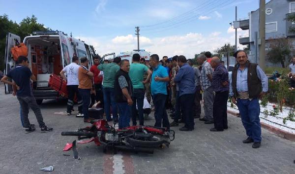 Motosikletle Otomobile Çarpan Astsubay Yaralandı