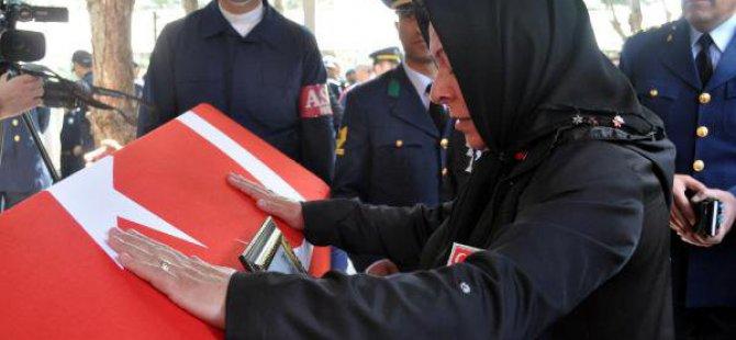 Şehit Astsubay Mehmet Erdoğan Son Yolculuğuna Uğurlandı