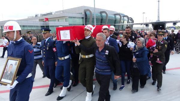Şehit Uzman Selçuk Çavuş Özer'i, Konya'da 10 Bin Kişi Uğurladı