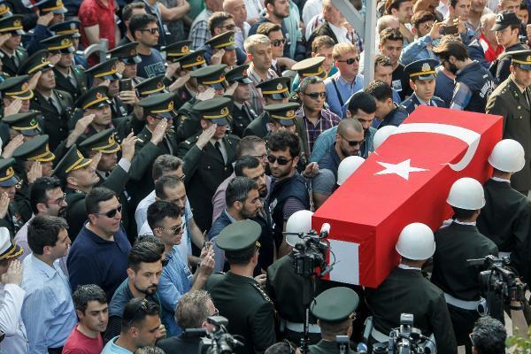Şehit Yüzbaşı Şener Son Yolculuğuna Uğurlandı