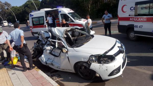 Serik'te Zincirleme Kaza: 1 Ölü 2 Yaralı