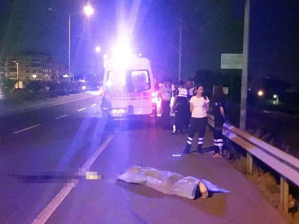 Motosiklet Demir Bariyerlere Çarptı: 1 Ölü