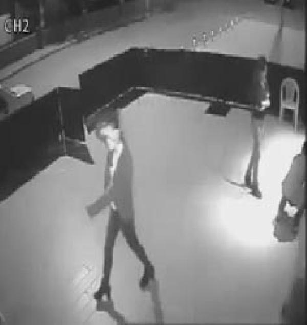 Hırsızlık olayı güvenlik kamerasına yansıdı