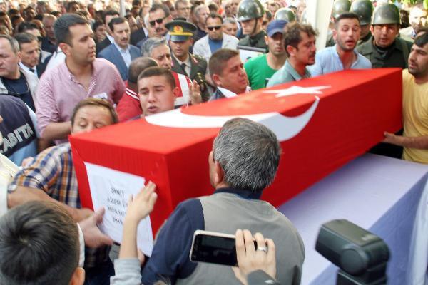 Şehit Uzman Çavuş Sefa Tiftik'i, 10 Bin Kişi Uğurladı