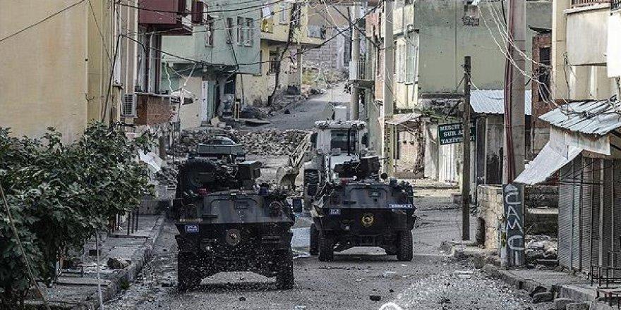 Silvan'da askeri araca bombalı tuzak!