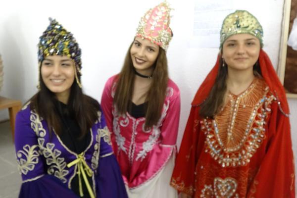 Baş Bağlama Anadolu Kadınının Dili Olmuştur