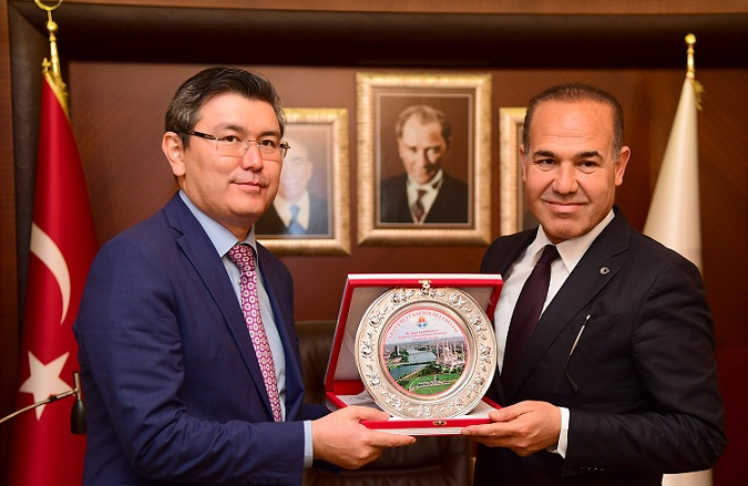 Hüseyin Sözlü: ''Uluğ Türkistan yeniden hakikat olmalı''