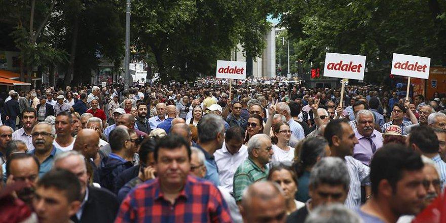CHP'nin 'adalet' yürüyüşü başladı.