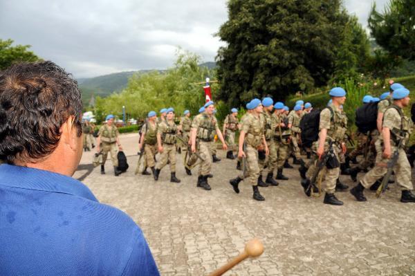 Komandolar Niksar'a Dönüşünde Çiçeklerle Karşılandı