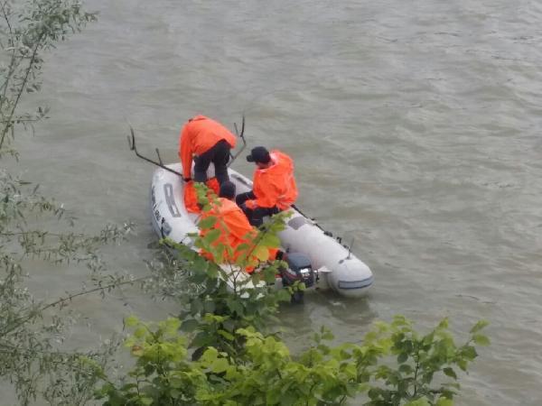 Nehirde Kaybolan Suriyeli Genci Arama Çalışmaları Yağmur Altında Sürdürüldü