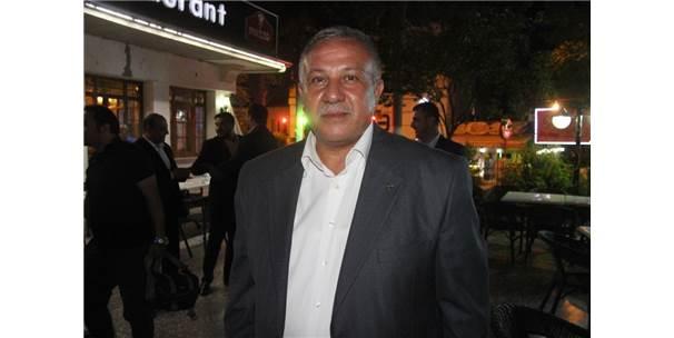MHP İl Başkanı Mısırlıgil, Kuran-ı Kerim'e Geçen Çocukları Ödüllendirdi