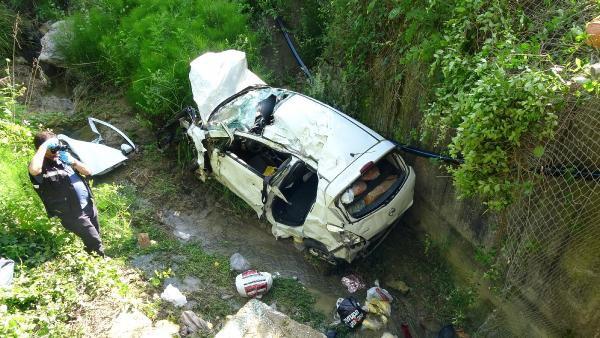 Eşleri, Tatil Dönüşü Trafik Kazası Ayırdı