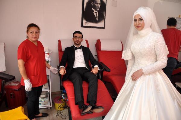 Gelin-Damat Düğünden Önce Kan Bağışladı