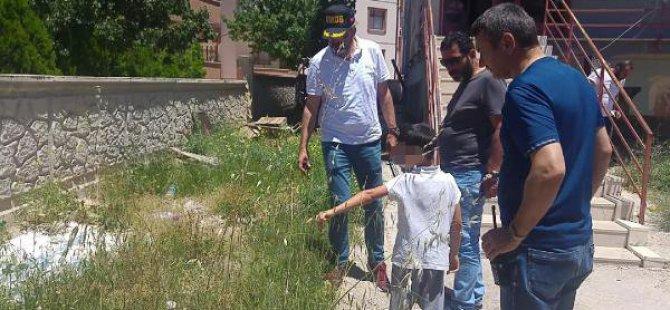 Bahçede Bulduğu Tabancayla Oynayan 9 Yaşındaki Çocuk, 4 Yaşındaki Kuzenini Yaraladı