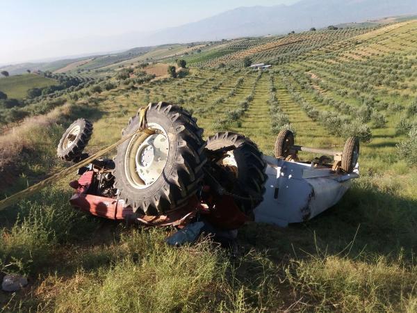 Salihli'de Traktör Devrildi: 1 Ölü, 1 Yaralı