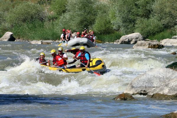 Karasu'da Rafting Yapıldı