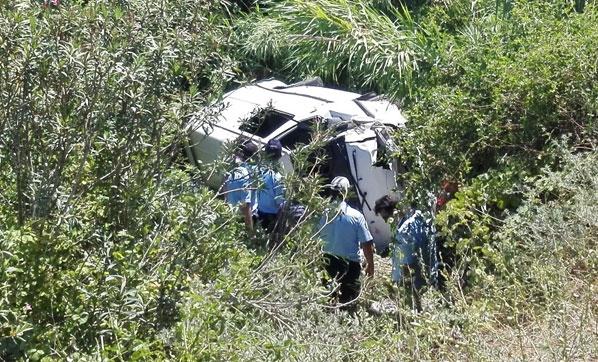 Adana'da Minibüs Dereye Uçtu: 1 Ölü, 6 Yaralı