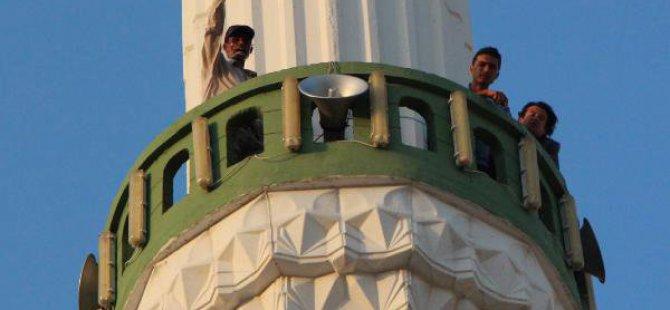 Minareye Çıkıp Atlayacağını Söyledi, Eşi Barışma Sözü Verince İndi