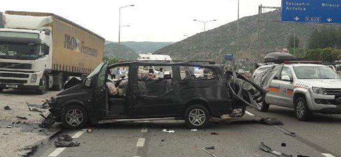 Bilecik'te Kaza: 3 Ölü, 2 Yaralı
