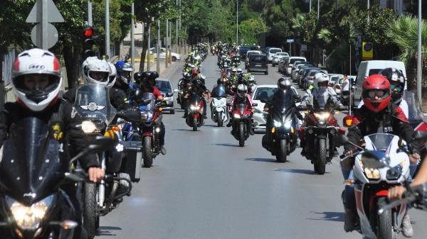 Motosikletliler Trafikte Fark Edilmek İstiyor