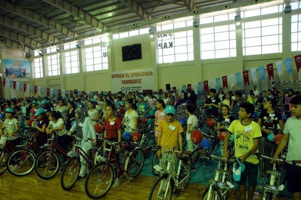 Gaziantep'te Başarılı 3500 Öğrenciye Bisiklet