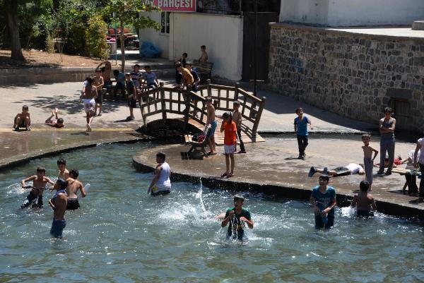 Kavurucu Sıcaklar Diyarbakırlıları Bunalttı