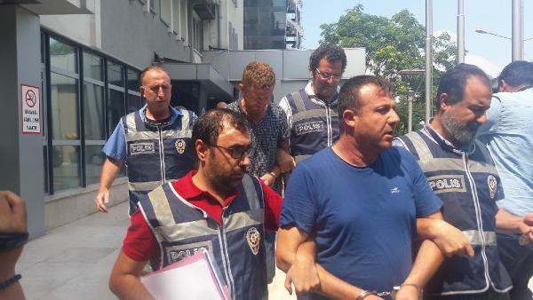 Bursa'da İş Adamlarını Sahte Çekle Dolandıran 4 Kişi Yakalandı