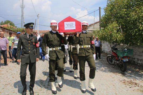 Bergamalı Kore Gazisi Muslih Uysal Toprağa Verildi