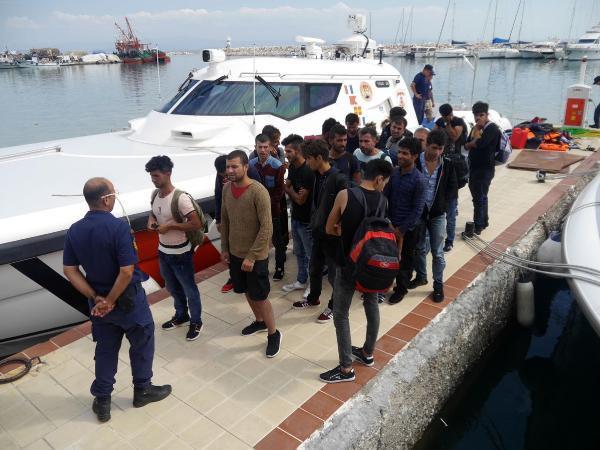 Ayvacık'ta 31 Kaçak Göçmen Yakalandı