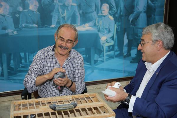 Çatalca Belediye Başkanı, Büyükerşen'e Posta Güverciniyle Mesaj Gönderdi