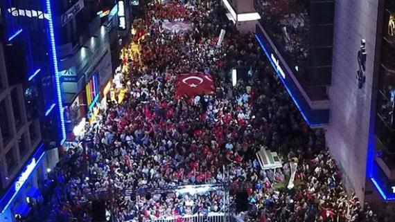 İzmir'de 9 Eylül coşkusu...