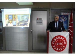 İzmir'de 'Atatürk'ü AK Parti bayrağıyla kapattın' tartışması