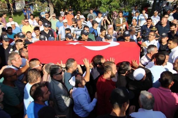 Şehit Polis Adnan Saka ebedi aleme uğurlandı.