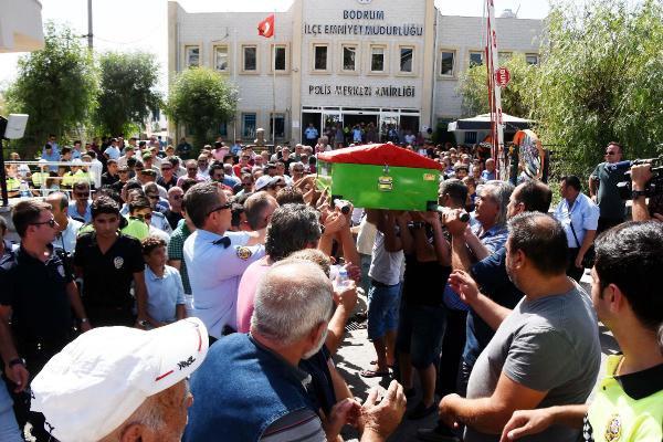 Kanserden Ölen Polis Memurunun Cenazesi Memleketi Konya'ya Uğurlandı