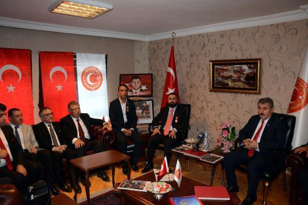 Mustafa Destici'den Gazi Ve Şehit Aileleri Vakfı'na Ziyaret