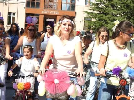"""ÇORUM'da """"Süslü Kadınlar Bisiklet Turu"""""""