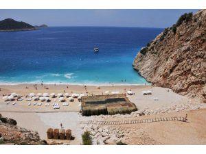 Yargı, Dünyaca Ünlü Plajda Betona 'Dur' Dedi