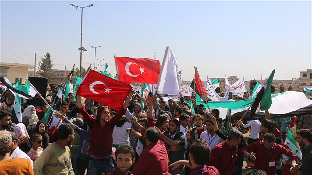 İdlib'e intikal eden TSK'ya Türk bayraklı destek