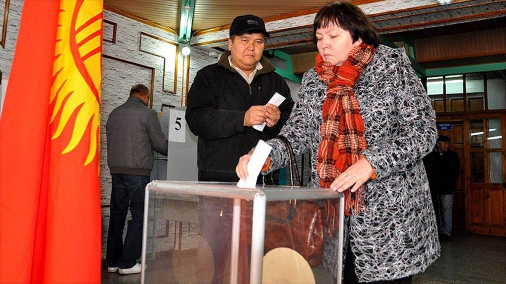 Kırgızistan'da halk cumhurbaşkanlığı seçimleri için sandık başında