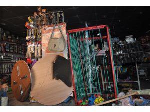 Bitlis Ak Parti İl Başkanı'nın Dükkanına Molotof Atıldı