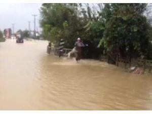 Kurtarmaya Çalıştığı Köpek Sel Sularına Kapılıp Sürüklendi