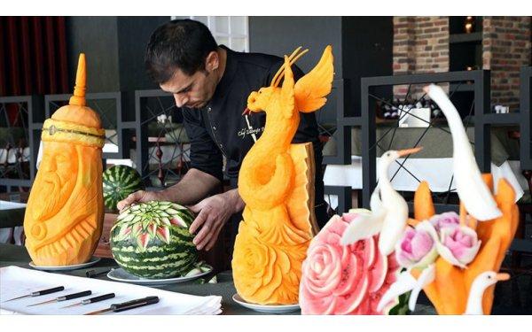 Meyve ve Sebzelerden Dekoratif Ürünler Yapıyor