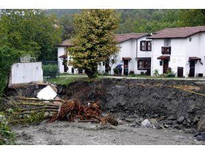 Şiddetli Sağnak Sapanca'yı Vurdu (3)