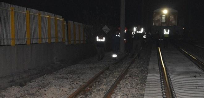Tren minibüsü biçti: Ölü ve yaralılar var