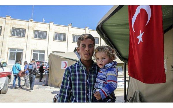Türkiye Suriyelilere Suriye'de de Şifa Oldu
